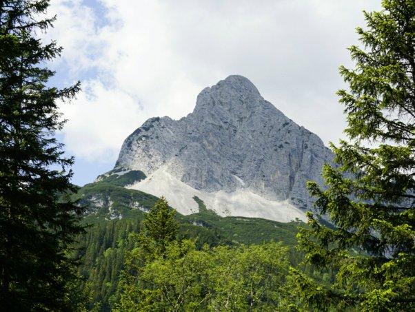 Blick zur Oberen Wettersteinspitze.