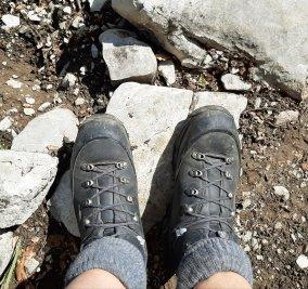 Merke: ab 3 Std Gehzeit und ab 5kg Gepäck immer die schweren, hohen Stiefel.