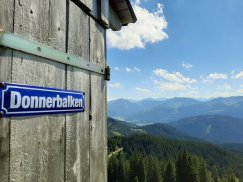 Österreichischer Humor auf 1.500m Höhe.